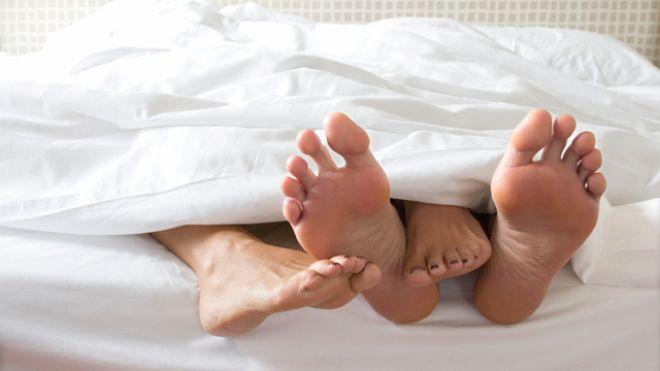 Специалисты назвали гиперсексуальность особым поведением человека